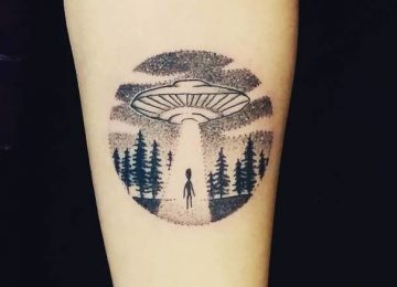40 Extraordinary UFO Tattoo Designs For Alien Enthusiasts