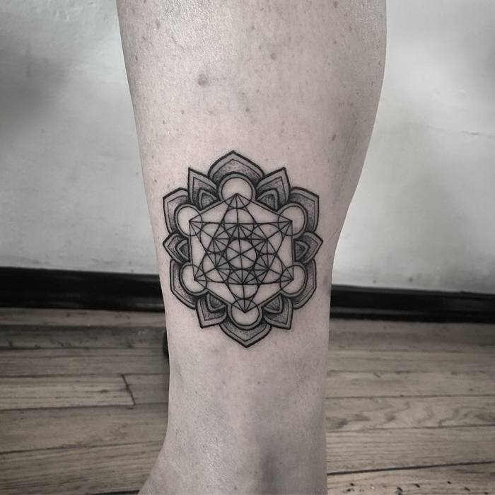 Mandala tattoo on leg by RaulWesche