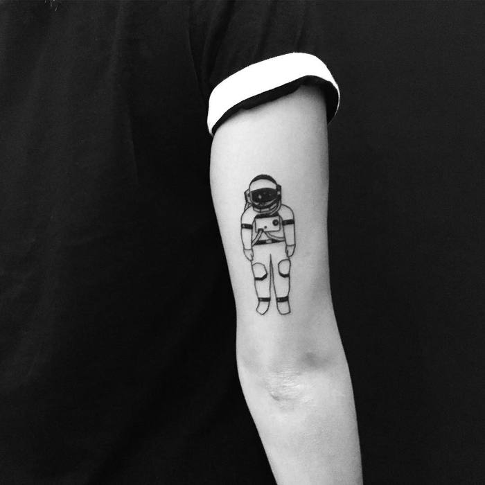 30 cool astronaut designs for space tattoobloq