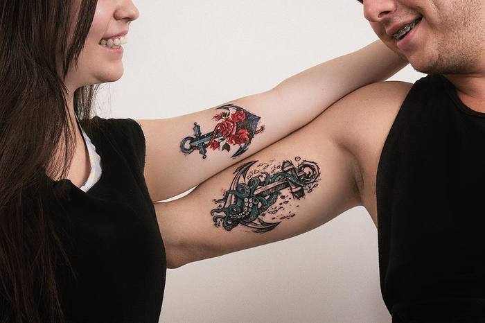 Matching Anchors on Couple by Robson Carvalho