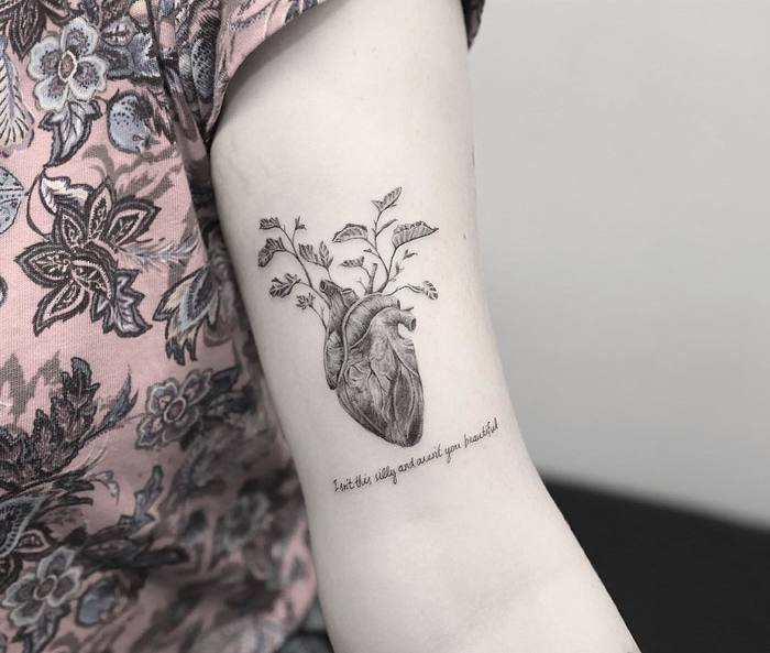 40 extraordinary ufo tattoo designs for alien enthusiasts - 39 Inspiring Anatomical Heart Tattoos Page 2 Of 4
