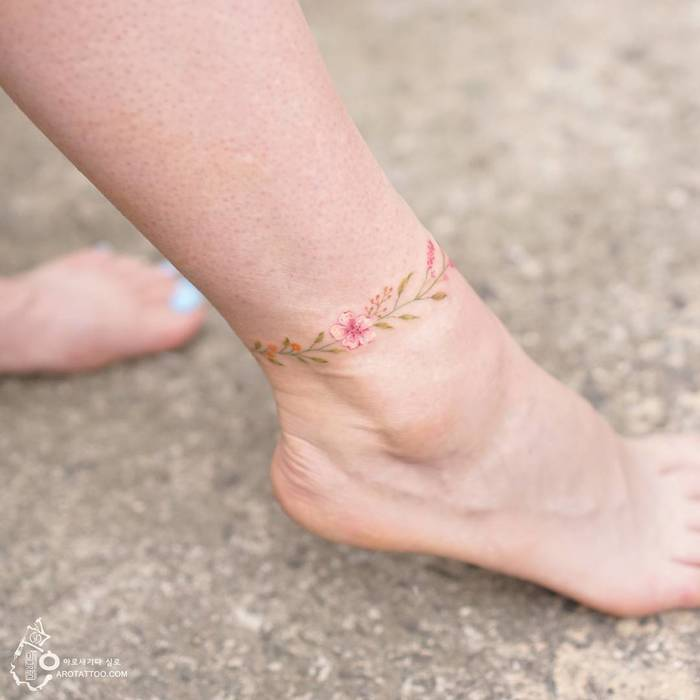 Floral Ankle Bracelet Tattoo by Tattooist Silo