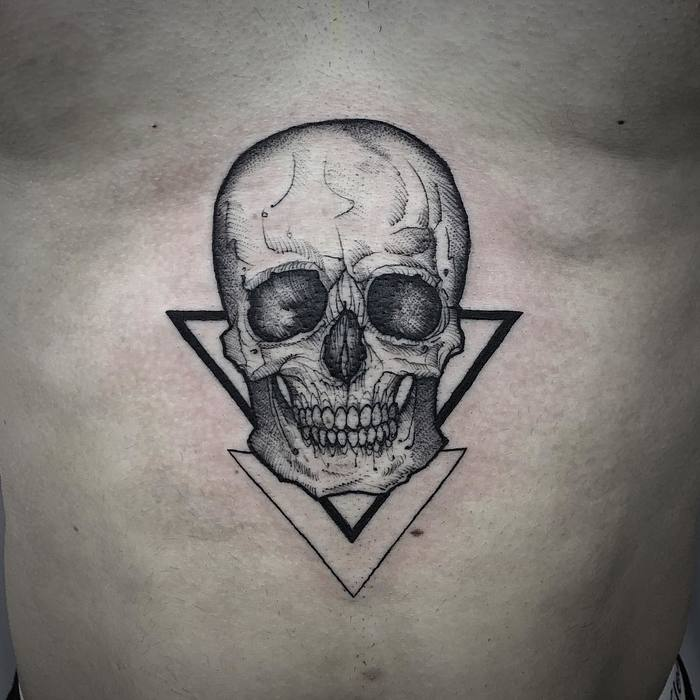 Skull Tattoo and Triangles by Melina Casteletto