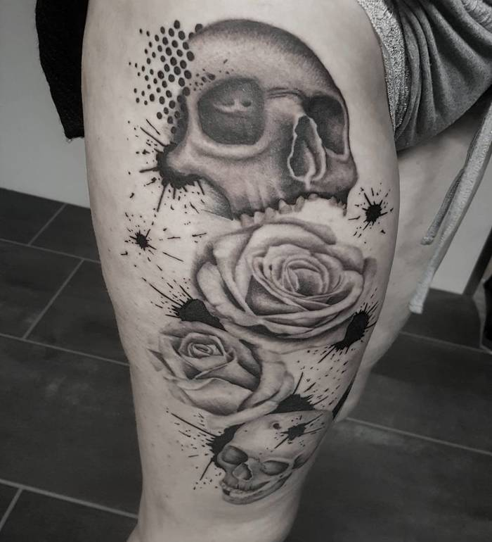 Skulls and Roses Tattoo by tatuangeel