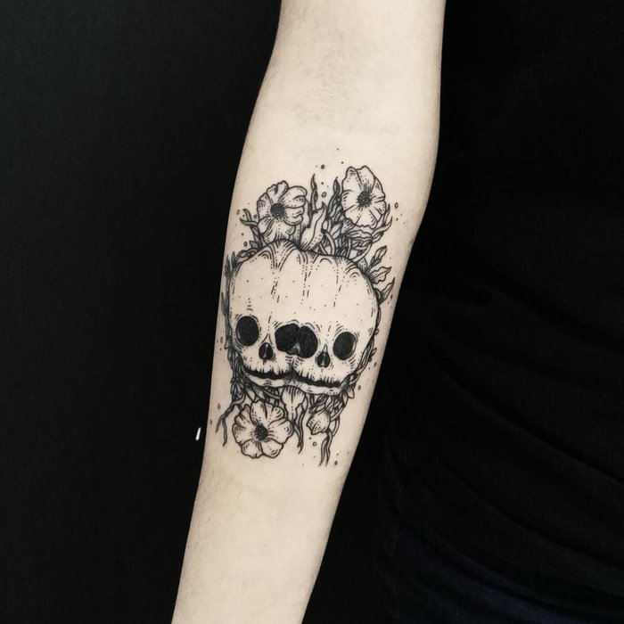 Skull Tattoo by Fer Solley